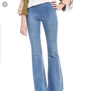 Free People Lightwash Penny Pull-on flare jeans